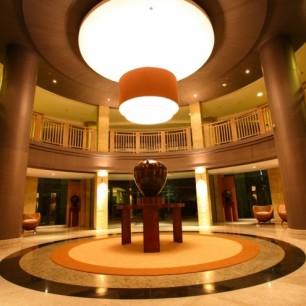 The+Almond+Lobby